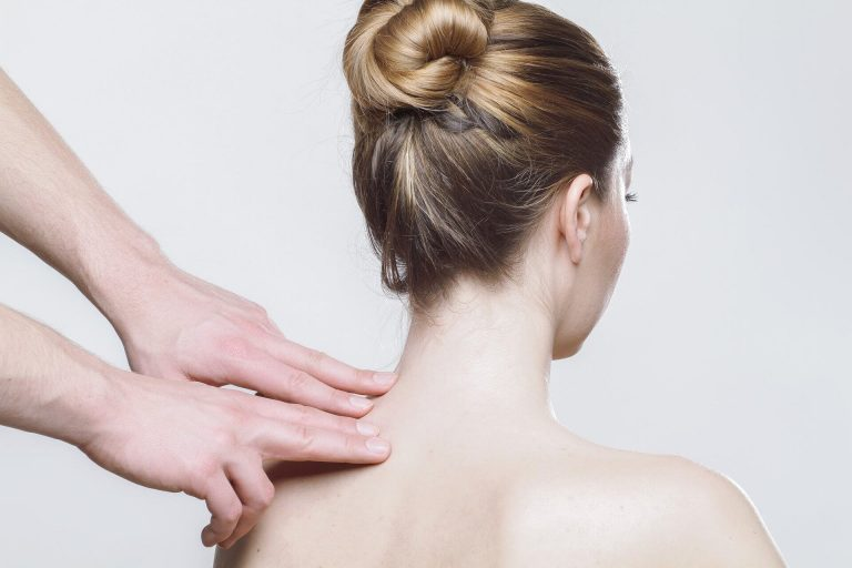 Does your neck and upper back hurt? What causes cervical pain and how to fix it with Neck Relax